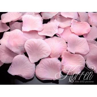 Płatki róż - jasnoróżowe...